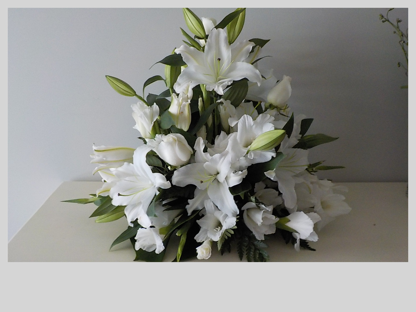 White Ceremony Arrangement