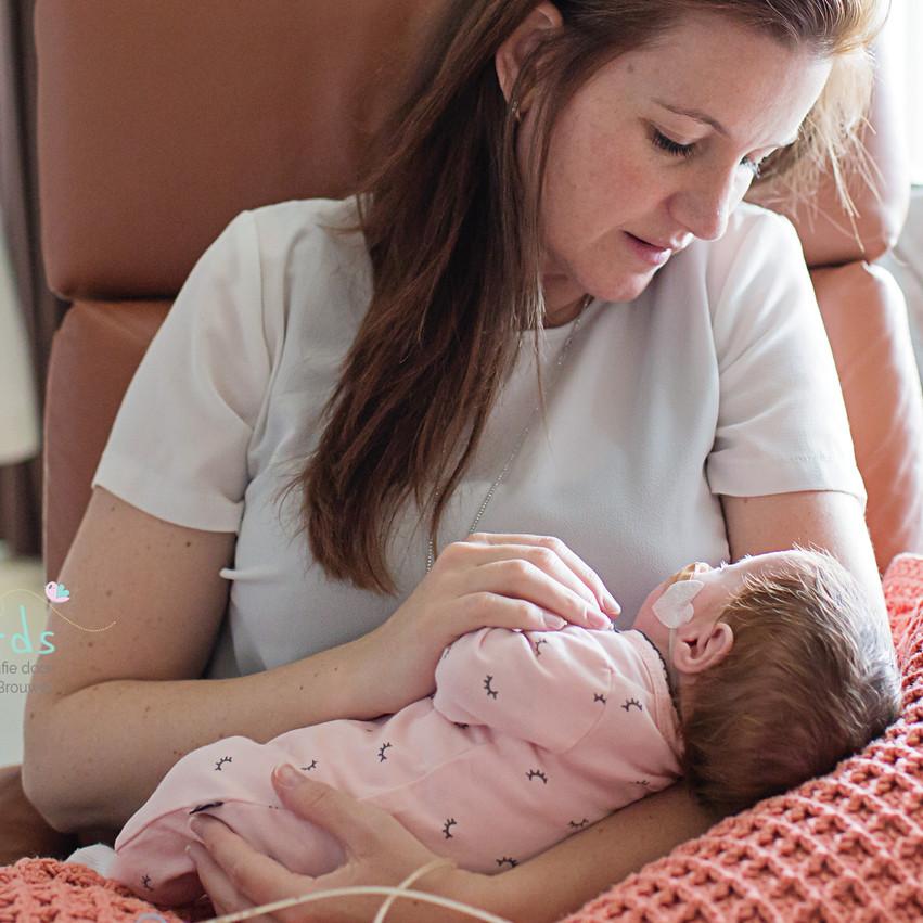baby met mama
