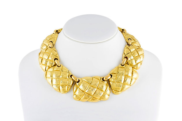 David Webb Gold Necklace front