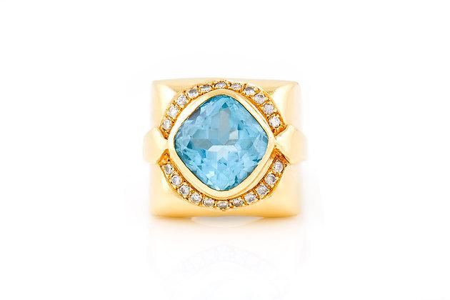 8.00 Carat Aquamarine Ring top
