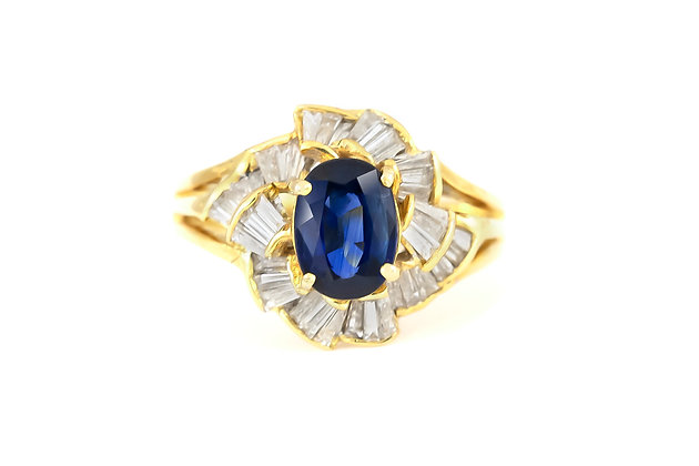Spiral Diamond Ring with Center Sapphire top