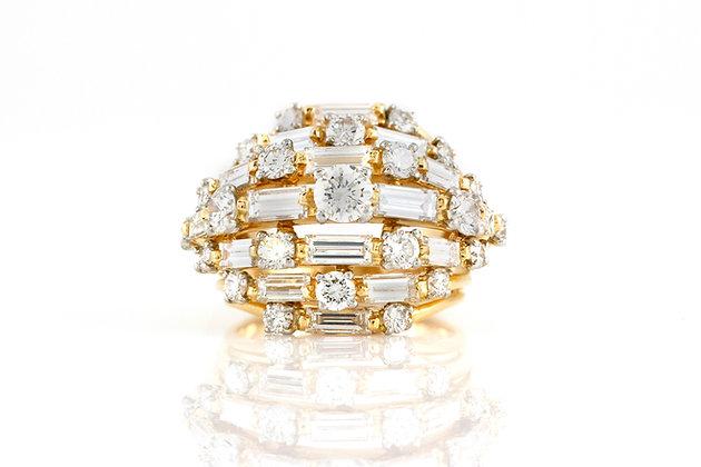 Oscar Heyman Gold Ring with Diamonds top