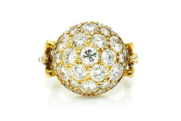 Beautiful Diamond Round Ring Front View