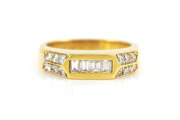 Gold Men's Ring with Diamonds top