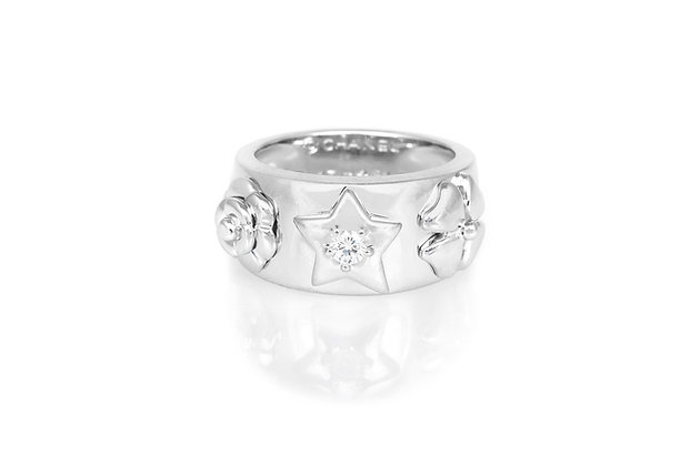 Chanel Floral Motif White Gold Ring front view