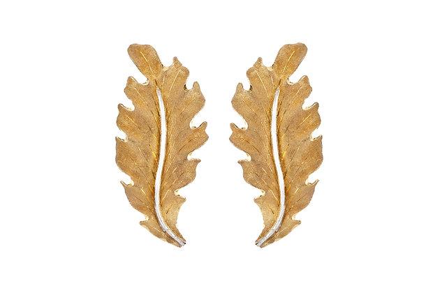 Buccellati 18 Karat Leaf Earring front view