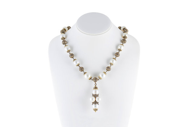 Buccellati Pearl Necklace front