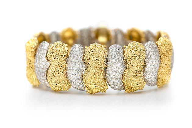 1970's Gold & Diamond Bracelet Front View
