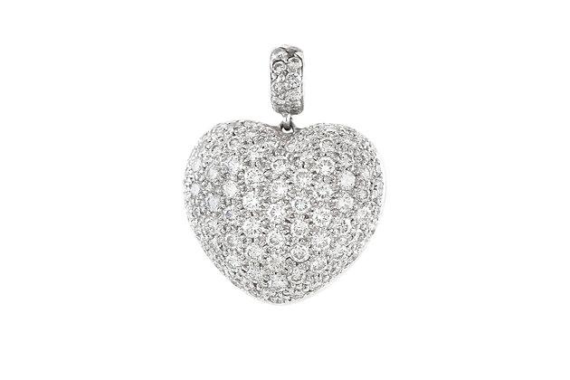 Heart-Shaped Diamond Platinum Pendant closeup