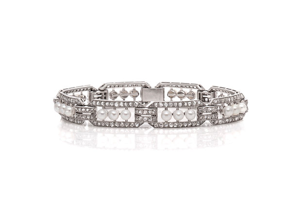 Diamond Pearl Bracelet Front View