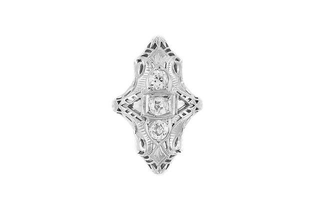 1930's Three Center Diamonds Filigriee Ring