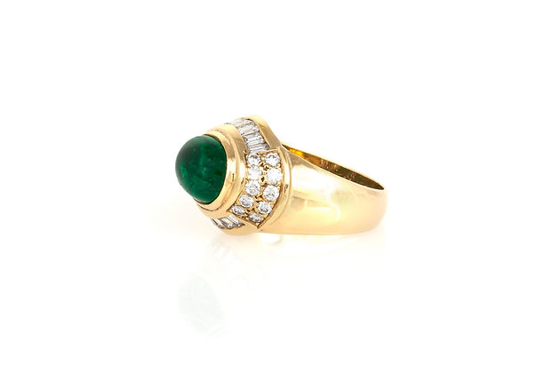 Oval Cabochon Emerald Gold Ring