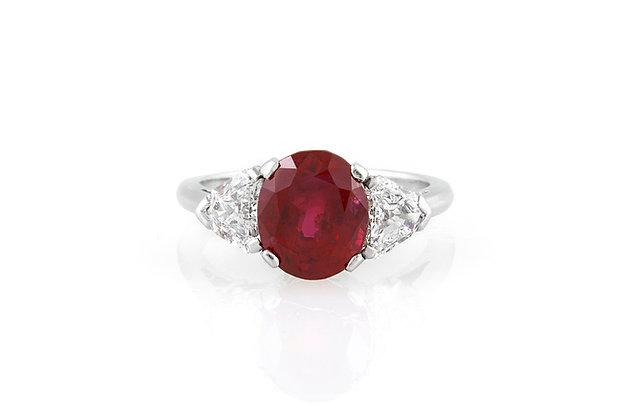 Raymond Yard 4.63 Burma Ruby & Diamond Ring top view
