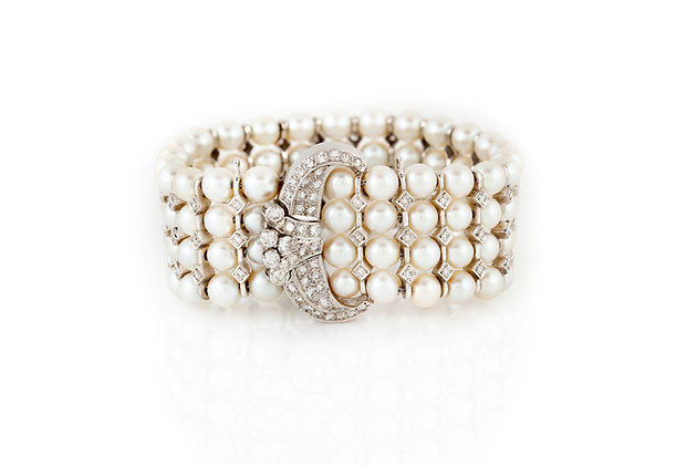 Pearl And Diamonds Bracelet Front View