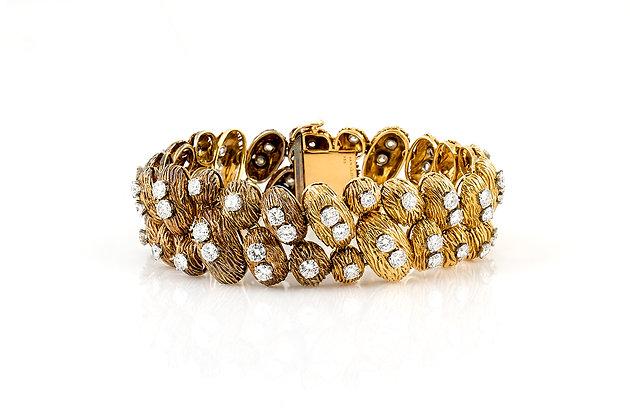 Van Cleef & Arpels Gold and Diamonds Bracelet front view