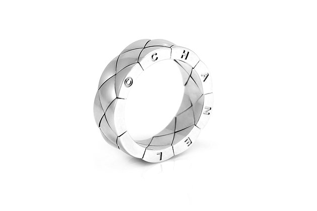 Chanel White Gold Ring alt view