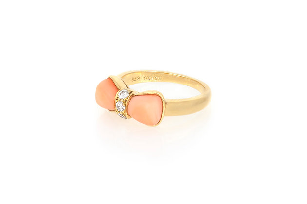 Van Cleef and Arpels Coral Bow Ring side view