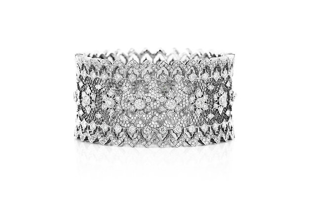 Buccellati Wide Gold And Diamond Cuff Bracelet Front View