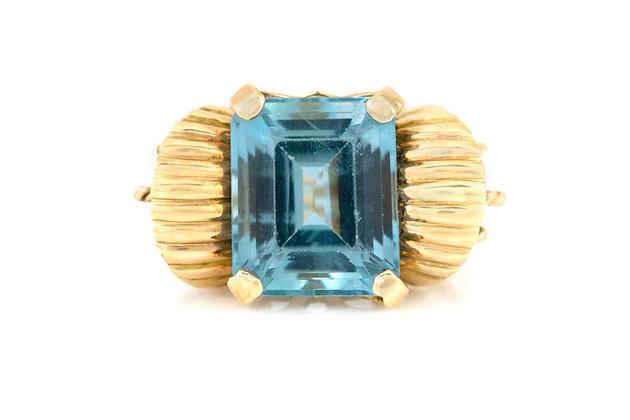 12.00 Carat Aquamarine Gold Ring top view