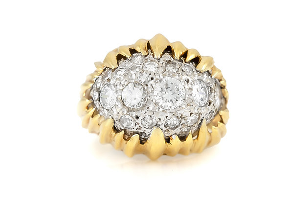 18 K Gold Ring with Diamonds top