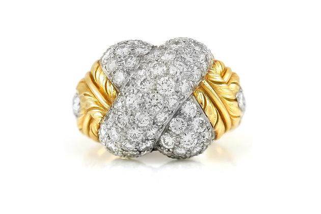 Diamond Knot Gold Ring top