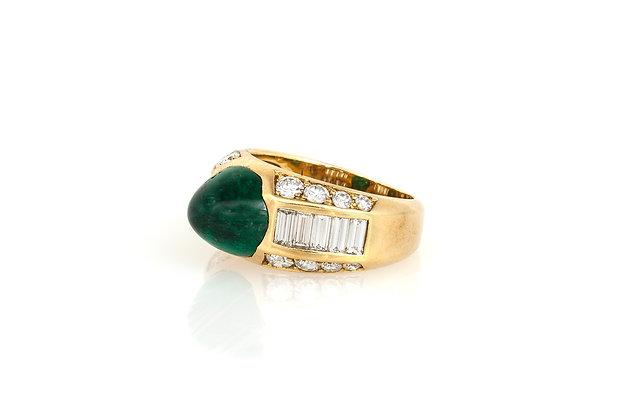 Cabochon Emerald & Diamond Gold Ring