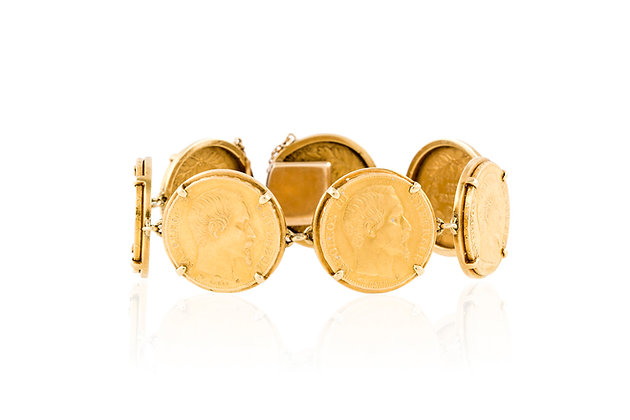 Van Cleef and Arpels Coin Bracelet Closed Front View