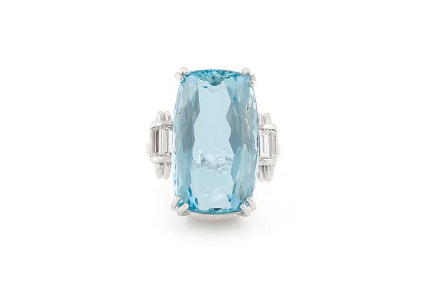30.00 Carat Art Deco Aquamarine Ring Top