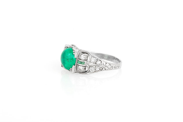 Art Deco Round Cabochon Emerald Ring