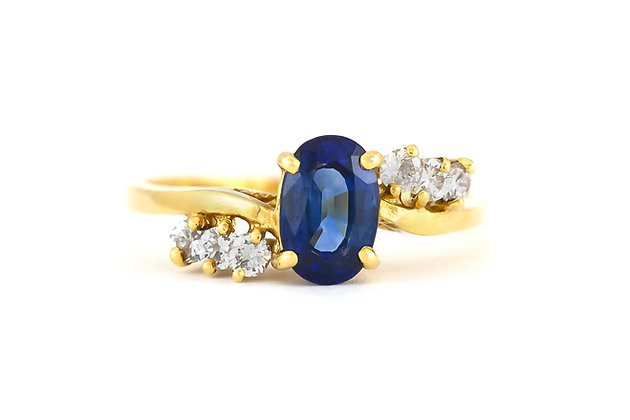 Center Sapphire with Six Diamonds Ring front