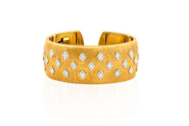 Buccellati Cuff Bracelet front