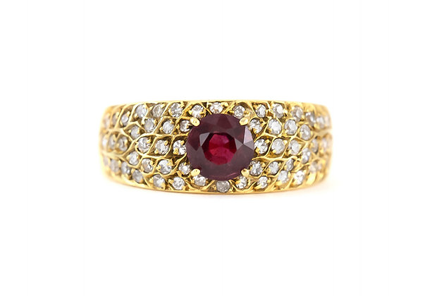 1980s Center Ruby Gold Ring with Diamonds