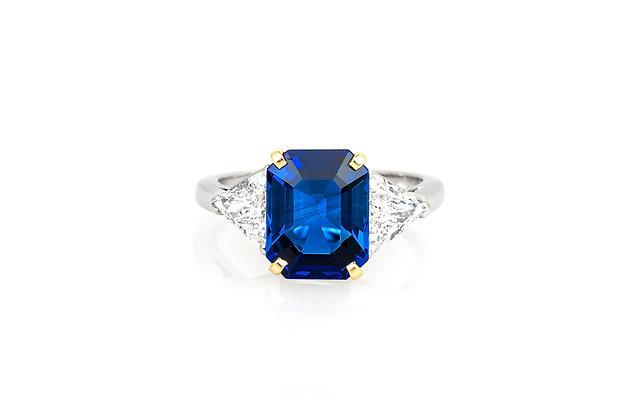 2.58 Carat Ceylon Sapphire Ring top view