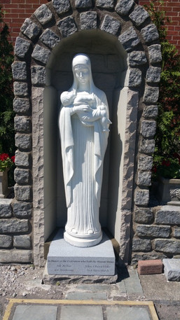Statue 2 (Blessed Mother)