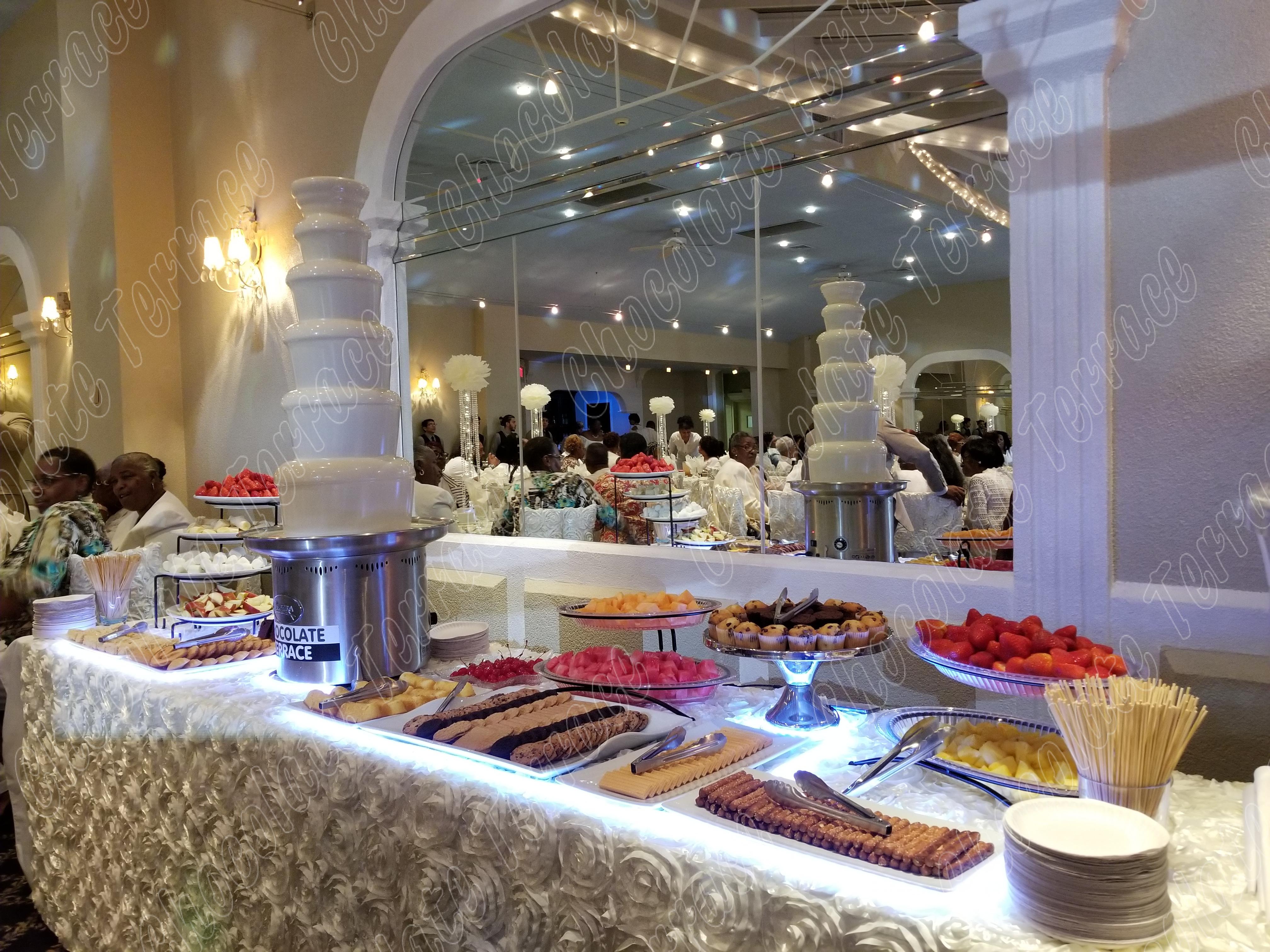 white_chocolate_fountain_rental