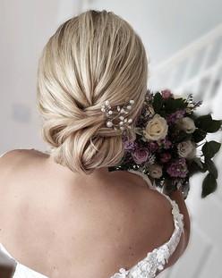 Blushing Bride Nicole 🌼_._Nicole chose