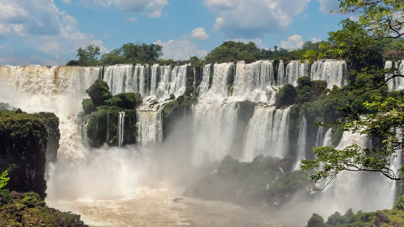 BRAZIL - IGUASSU FALLS