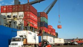 Importante mejora del tipo de cambio real a pesar del cambio en la política comercial