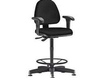 Cadeira caixa ergonômica Braços ajustáveis Ajuste lombar Giratória Sky