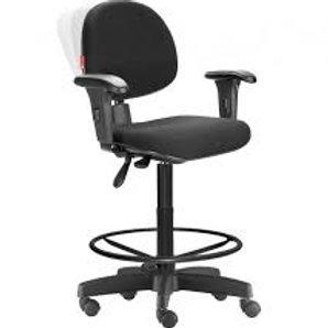 Cadeira caixa giratória executiva com braços NR17