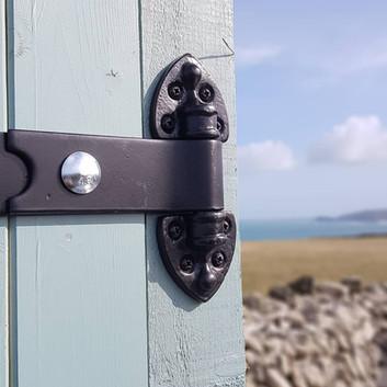 Cornish install and hinge