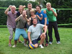 Fornøyde lærere etter volleyball