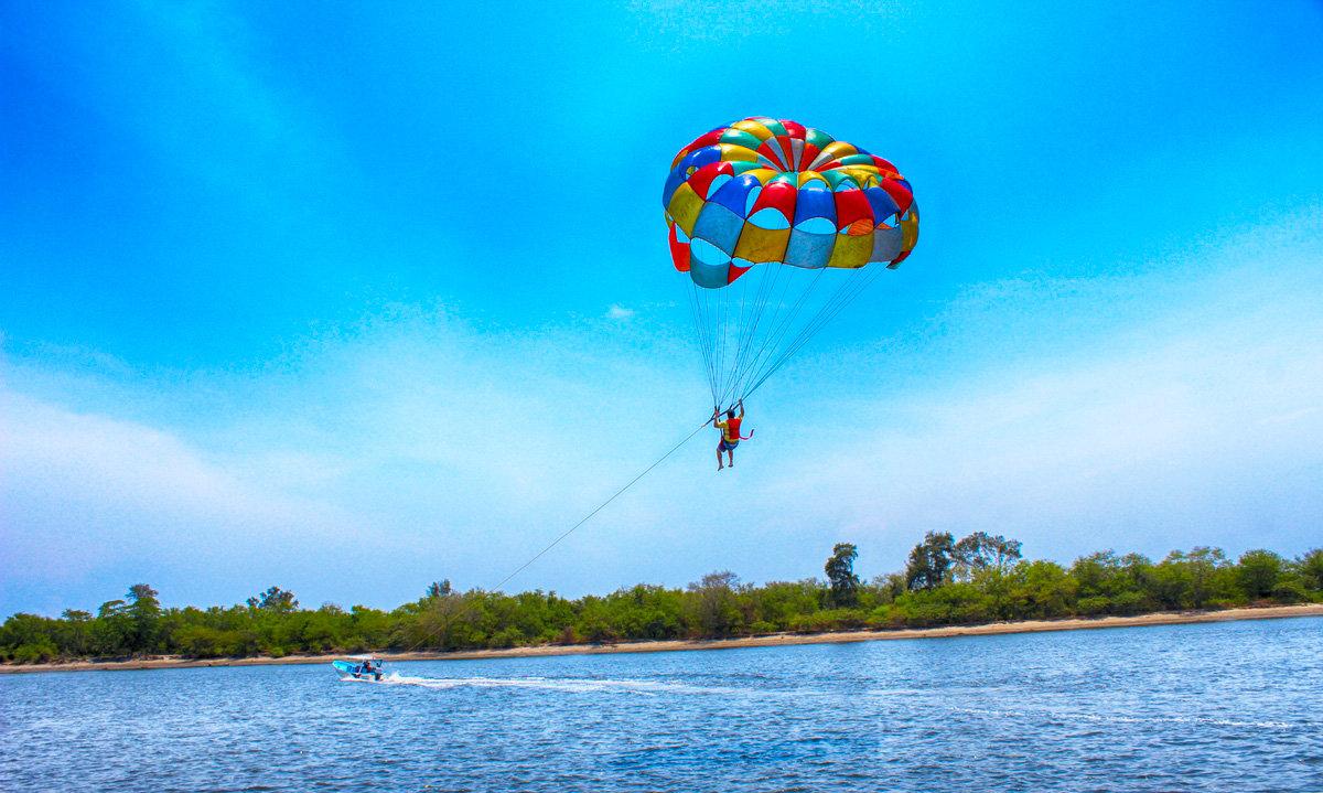 parasailing-tour-sv-1.jpg