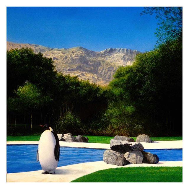 今回のグッズ製作の元となった作品はこのペンギンのシリーズになります。画家は猪瀬直哉によるもの。_今回、ペンギンシリーズからは1作品が展示されています。あとは今まで猪瀬直哉が