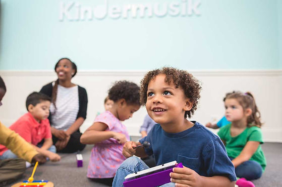 Photo_Kindermusik_boy-smiling-resonatorb