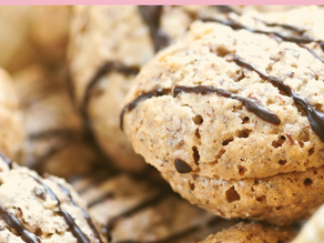 How to not give into food cravings and 4 tips to stop your sweet tooth or salty cravings.