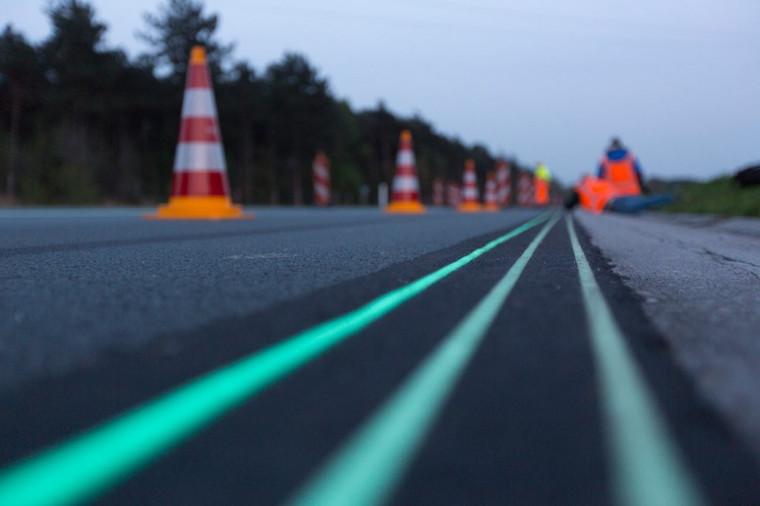 """""""Smart Highway"""": Inauguração do primeiro trecho de uma rodovia solar na Holanda"""