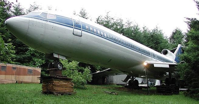 Você moraria em um avião velho?