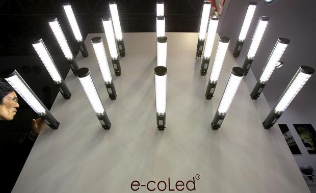 Nobel da Física para os inventores das luzes LED azuis.