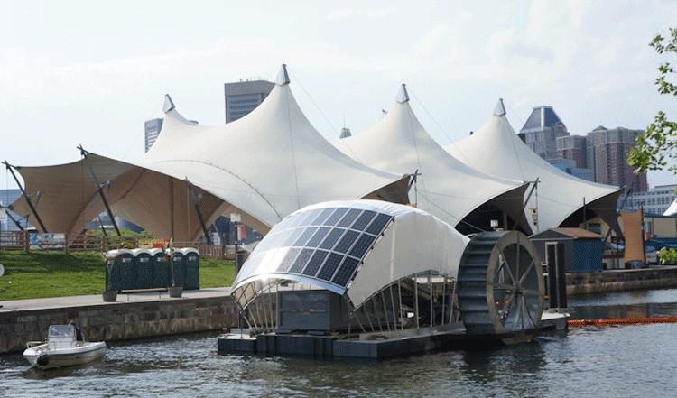 A roda d'água que promete descontaminar o rio da cidade de Baltimore até 2020